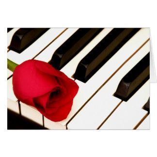Piano y II subió Tarjetas