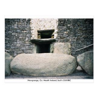 Piedra del bordillo espiral de los símbolos, postal