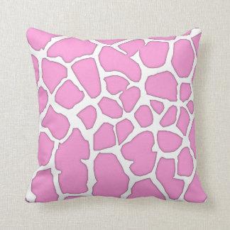 piel rosada de la jirafa cojín