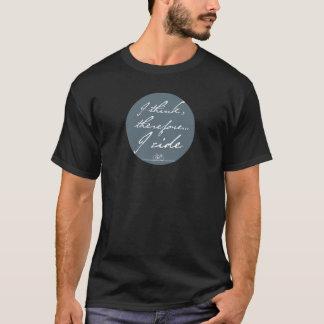 Pienso, por lo tanto monto la camiseta
