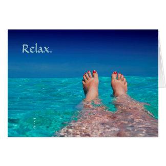 Pies de relajación en el retiro del océano tarjeta de felicitación