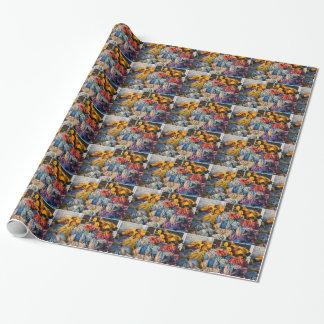 Pila de artes de pesca de la langosta en muelle en papel de regalo