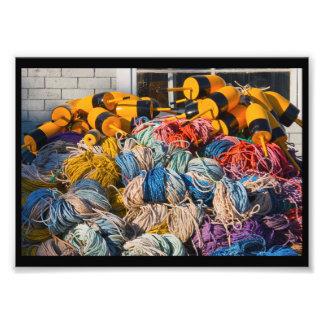 Pila de artes de pesca de la langosta en muelle en arte fotografico
