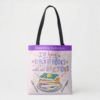 Pila del humor de los lectores de libros con las bolso de tela