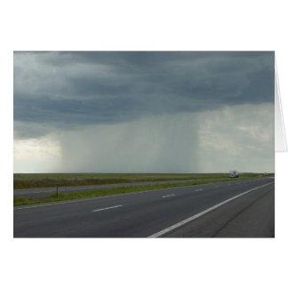 Pilar oscuro de la tarjeta de la lluvia