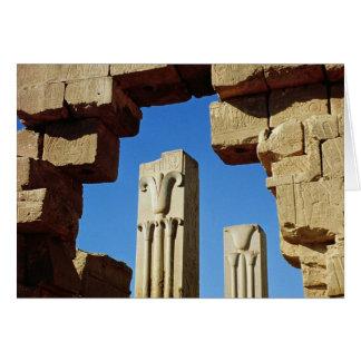 Pilares adornados con loto estilizado tarjeta de felicitación