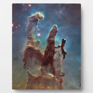 Pilares de la creación placa expositora