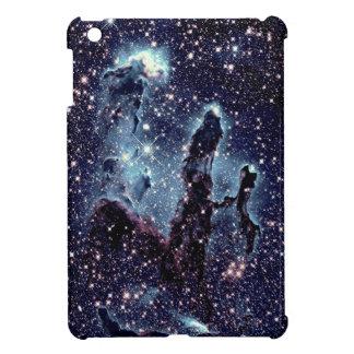 Pilares de la pizarra del azul de la nebulosa de