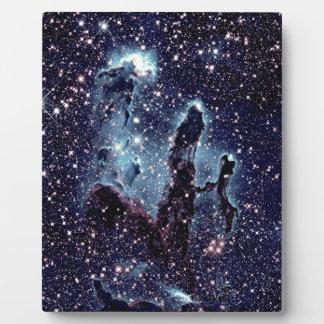 Pilares de la pizarra del azul de la nebulosa de placa expositora