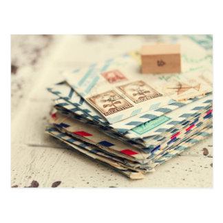 Pilas de postal de las letras de amor