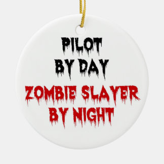 Piloto del asesino del zombi del día por noche adorno navideño redondo de cerámica