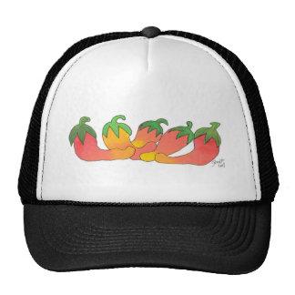 Pimientas anaranjadas y rojas gorras de camionero