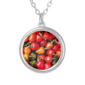 Pimientas de cereza regordetas collar plateado