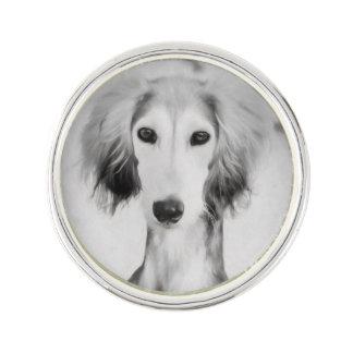 Pin de la solapa del perrito de Saluki