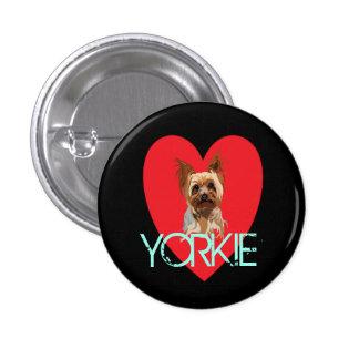 Pin del perro: Corazón de Yorkie Chapa Redonda De 2,5 Cm