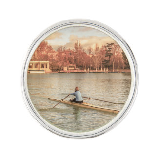 Pin Rowing de la mujer en Del Retiro Park, Madrid,
