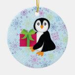 Pingüino con el actual ornamento adorno de reyes