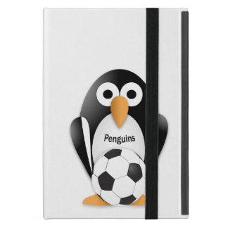 Pingüino con un balón de fútbol iPad mini cárcasa