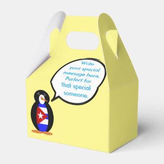 Pingüino cubano de la bandera que habla caja para regalos