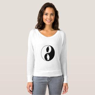 Pingüino de Yin Yang Camiseta