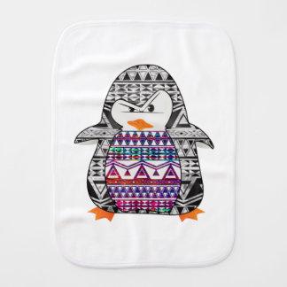Pingüino divertido lindo tribal azteca de Chevron Paños Para Bebé