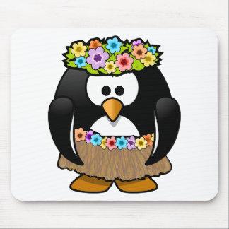 Pingüino hawaiano con las flores y la falda de alfombrilla de ratón