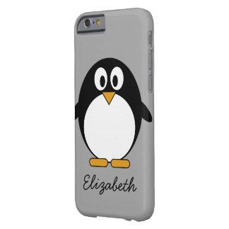 Pingüino lindo del dibujo animado con el fondo funda barely there iPhone 6