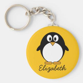 Pingüino lindo y moderno del dibujo animado llavero redondo tipo chapa