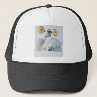 Pingüino lindo y oso polar con los platillos en gorra de camionero