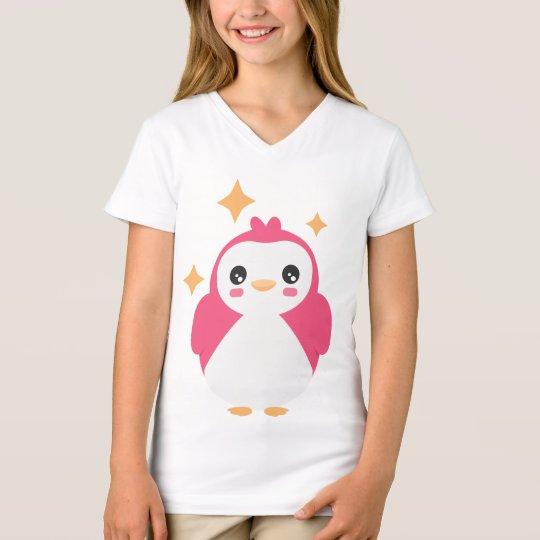 Pingüino rosado de Kawaii en la camiseta de los