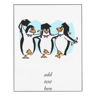 Pingüinos de graduación del dibujo animado lindo