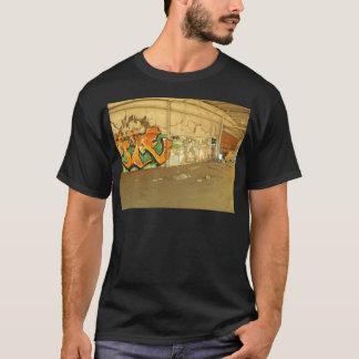 Pintada abandonada camiseta