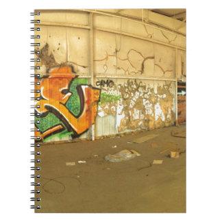 Pintada abandonada cuaderno