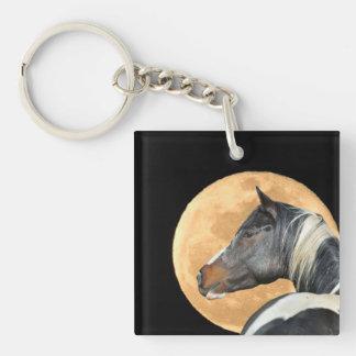 Pinte el caballo con llavero de la Luna Llena
