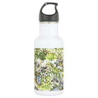 Pinte la botella de agua de la salpicadura
