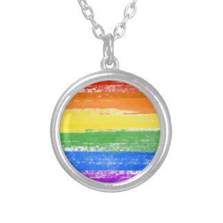 PINTURA DE LA BANDERA DEL ARCO IRIS DE LGBT COLLAR PLATEADO