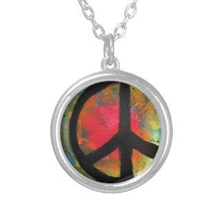 Pintura del signo de la paz del arco iris del arte collar plateado