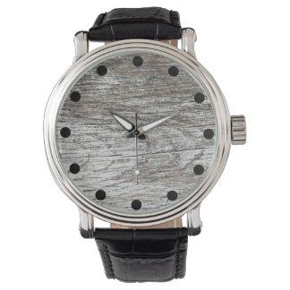 Reloj De Pulsera Pintura gris resistida en el reloj de madera