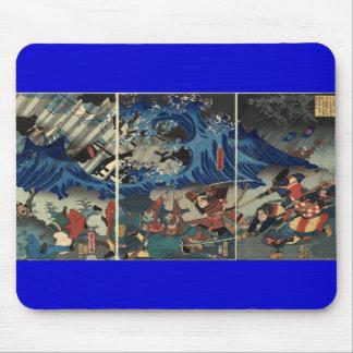 Pintura japonesa antigua del samurai y de Mongols Alfombrilla De Ratón