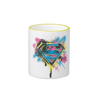 Pintura y derramamientos de Supergirl Taza De Dos Colores