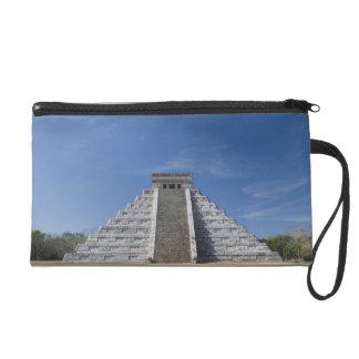 Pirámide maya, mañana en marzo