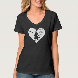 Pirata en la camiseta del corazón
