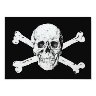 Piratas cráneo negro y bandera pirata invitación 11,4 x 15,8 cm