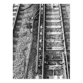 Pistas de ferrocarril, cuadro blanco y negro postal
