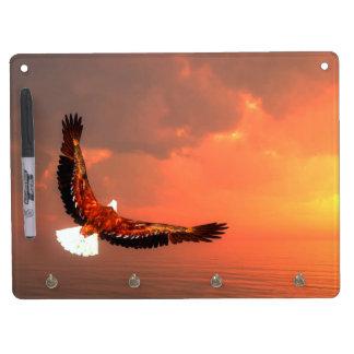 Pizarra Blanca Con Ganchos Para Llaves Eagle que vuela al sol - 3D rinden