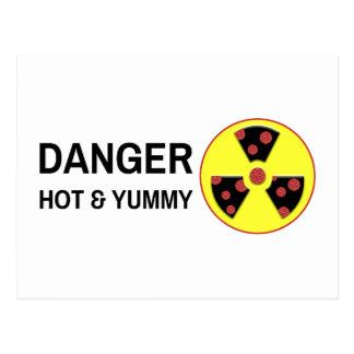 Pizza atómica caliente y deliciosa postal