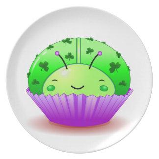 Placa de la magdalena de la mariquita del trébol plato para fiesta