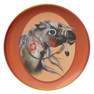Placa del óvalo del caballo de guerra plato