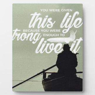 Placa Expositora Bastante fuerte vivir esta vida