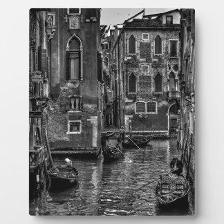 Placa Expositora Canal del barco de la góndola de Venecia Italia